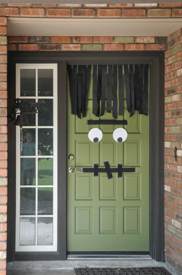 idée de décoration halloween extérieur fait maison déco de porte