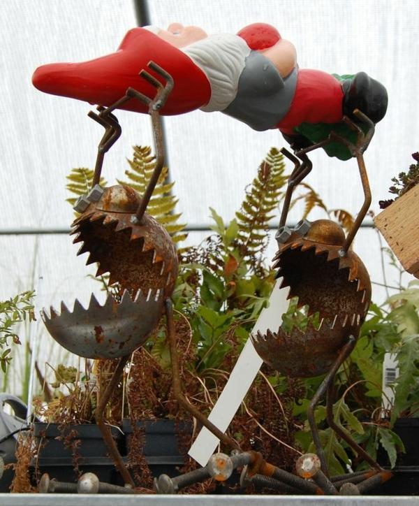 idée de décor halloween extérieur figurines en métal