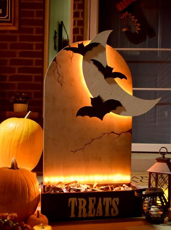 idée de décoration halloween extérieur fait maison déco porche pierre tombale
