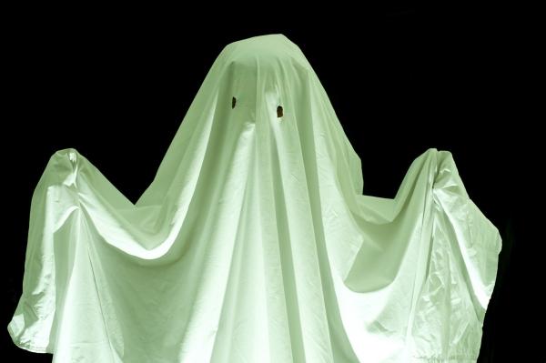 déguisement fantôme tout simplement un drap