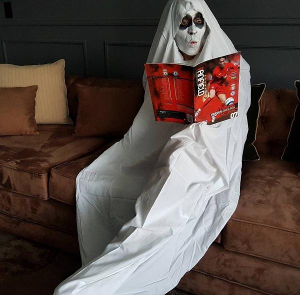 déguisement fantôme un fantôme curieux