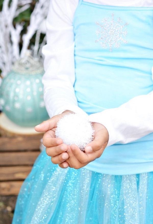 déguisement Elsa joli flocon devant