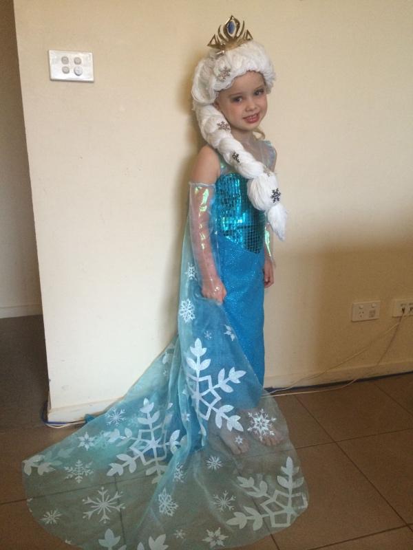 déguisement Elsa une tresse épaisse
