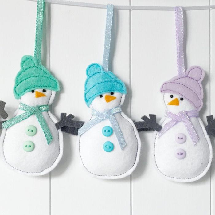 diy bonhomme de neige en chaussette ou en feutrine