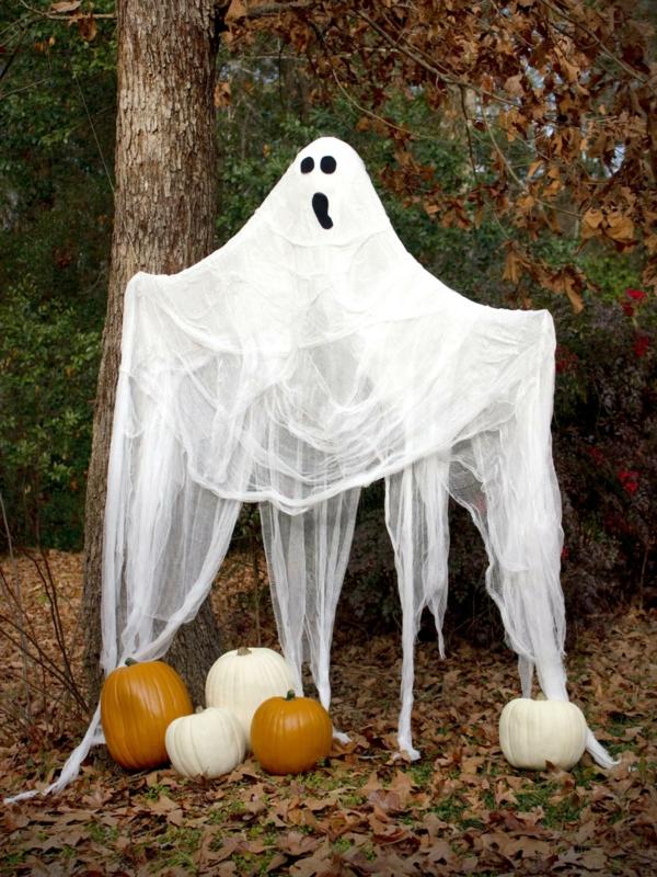 fabriquer un fantôme pour halloween déco d'extérieur