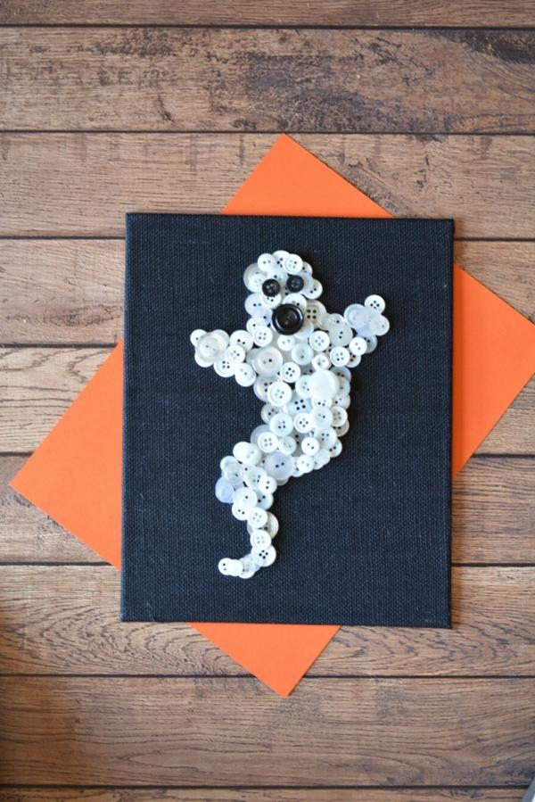 fabriquer un fantôme pour halloween de boutons