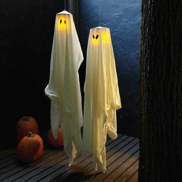 fabriquer un fantôme pour halloween de draps