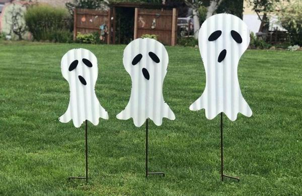 fabriquer un fantôme pour halloween en carton