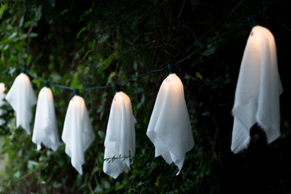 fabriquer un fantôme pour halloween en gaze