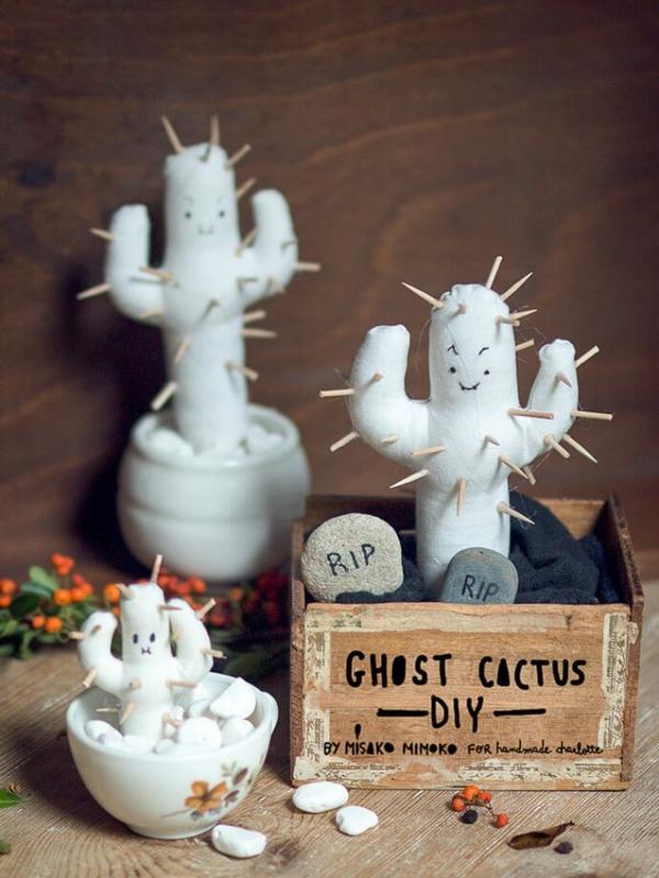fabriquer un fantôme pour halloween en textile et ouate