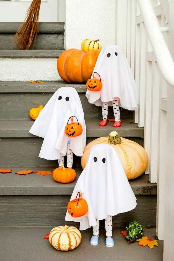fabriquer un fantôme pour halloween en tissu