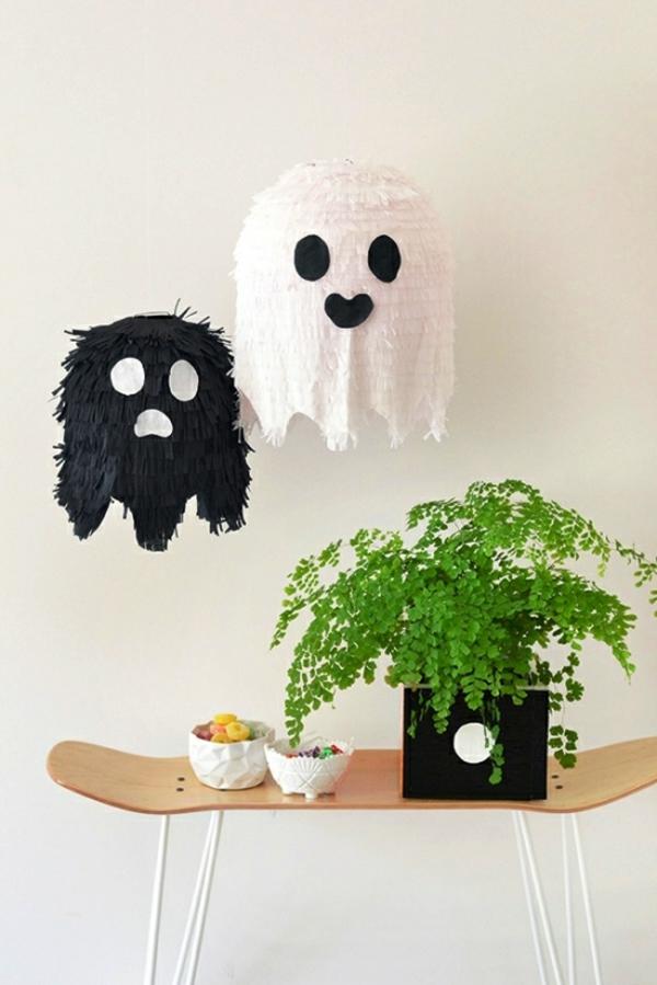 fabriquer un fantôme pour halloween pinata en papier de soie
