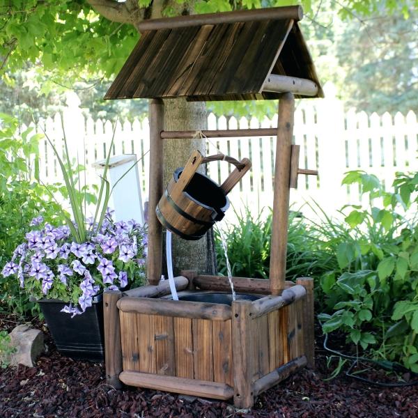 fontaine extérieure de jardin un puits rustique