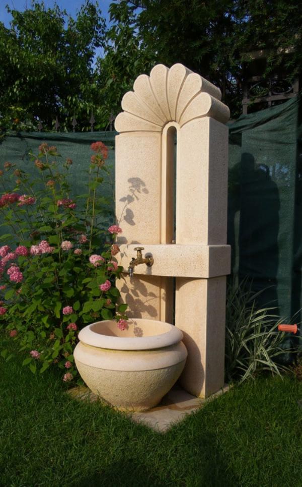 fontaine extérieure de jardin construction contemporaine