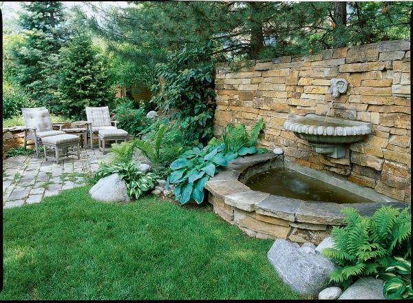 fontaine extérieure de jardin tête de bélier