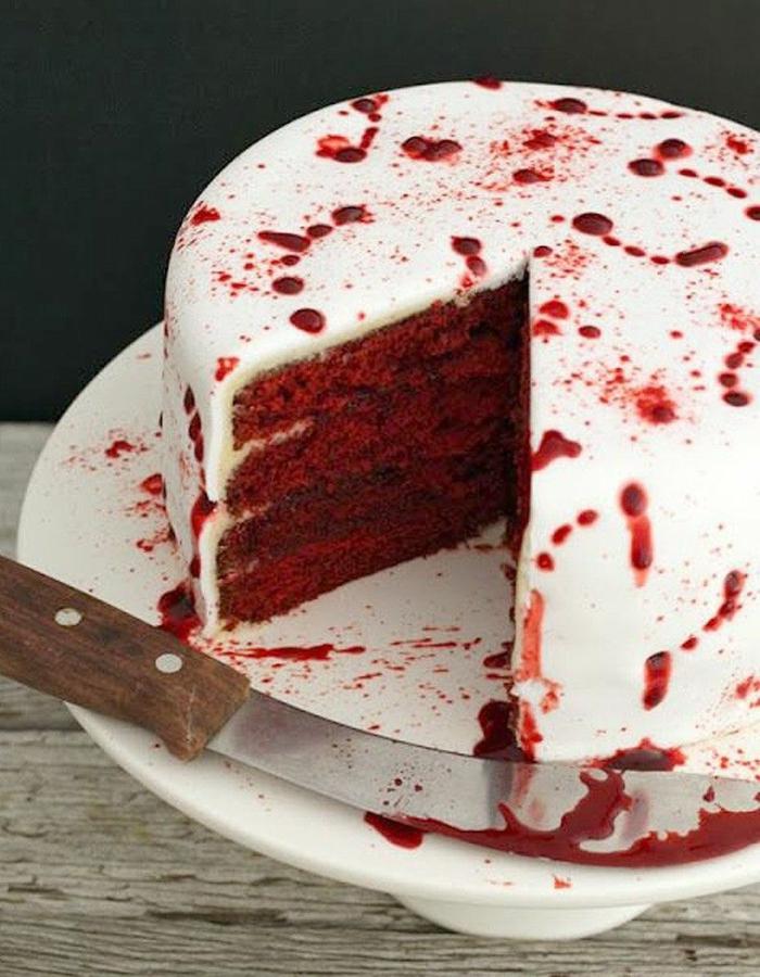 velvet cake gâteau halloween effrayant avec du sang idée originale