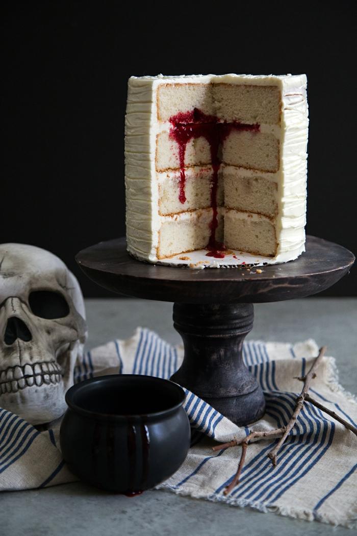 gâteau halloween imitation sang