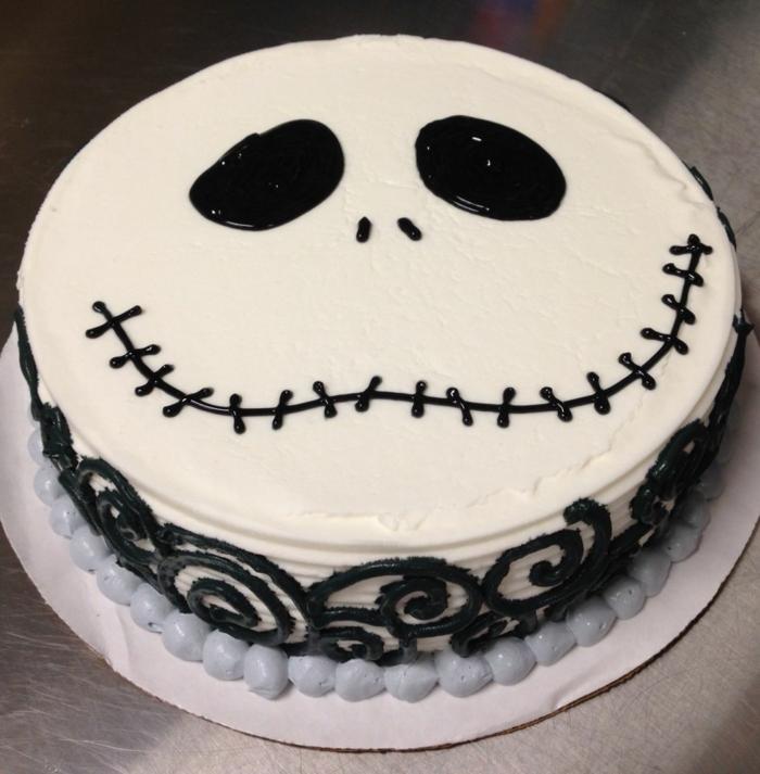idée déco gâteau halloween blanche
