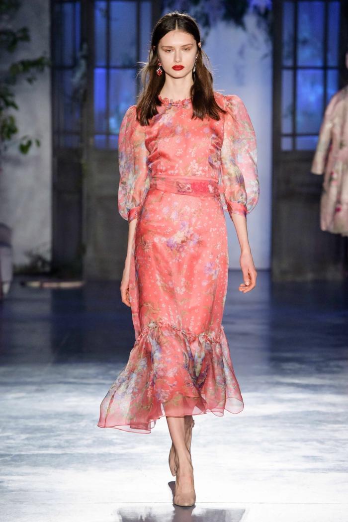 jolie robe florale à manches bouffantes mode 2020