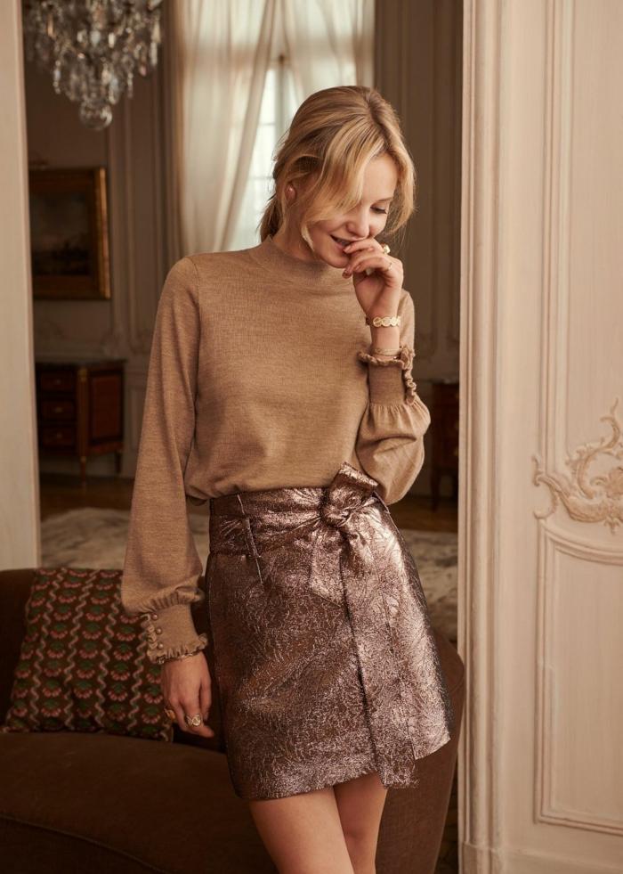 manches légèrement bouffantes avec une belle jupe courte mode femme 2020