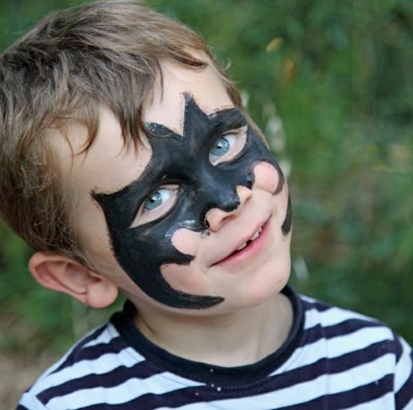 maquillage halloween enfant batman