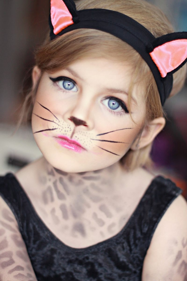 maquillage halloween enfant fille chatte