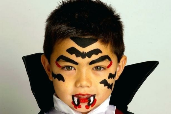 maquillage halloween enfant garçon dracula