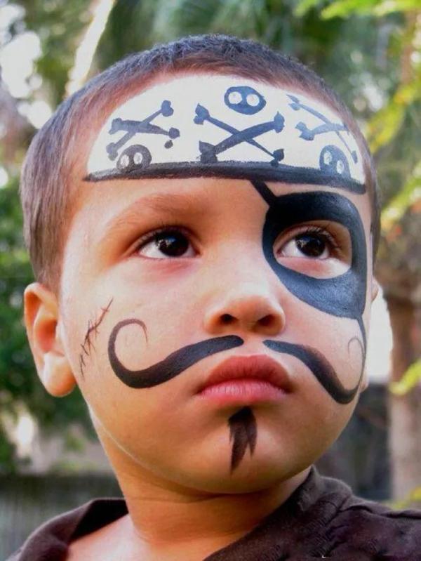 maquillage halloween enfant garçon pirate