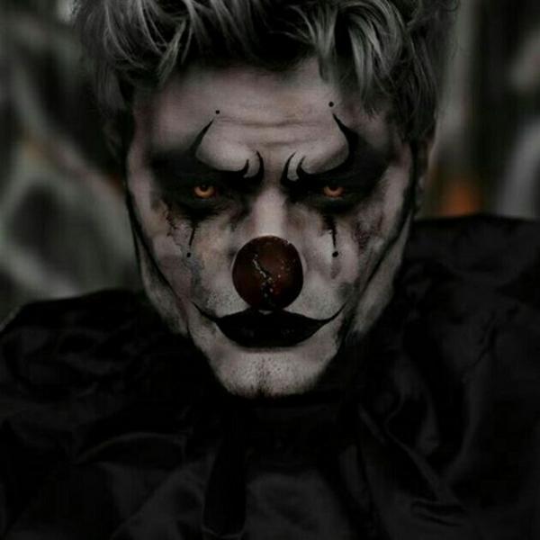 maquillage halloween homme clown effrayant