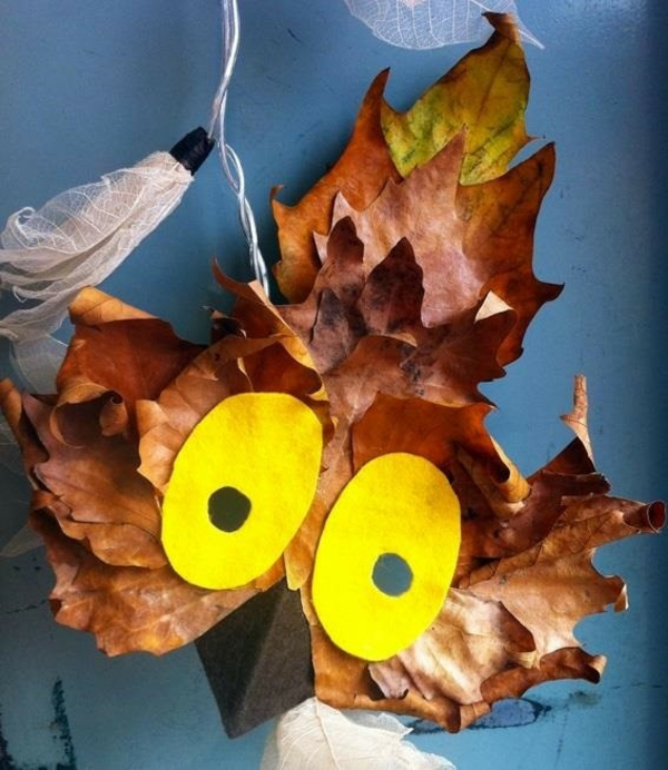 masque halloween à fabriquer vous-même avec des feuilles d'automne