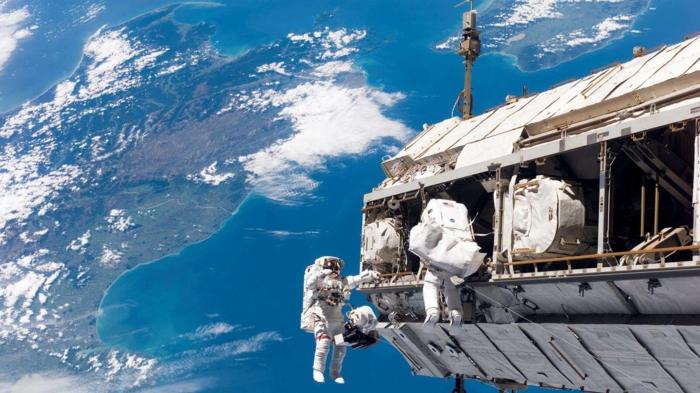 nasa travaux de réparation sur la station spatiale