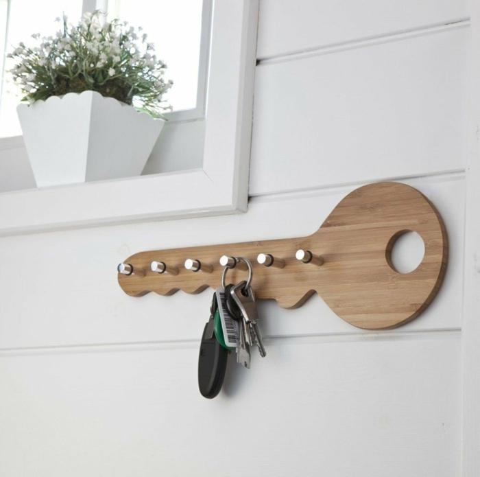 porte clés mural en forme de clé