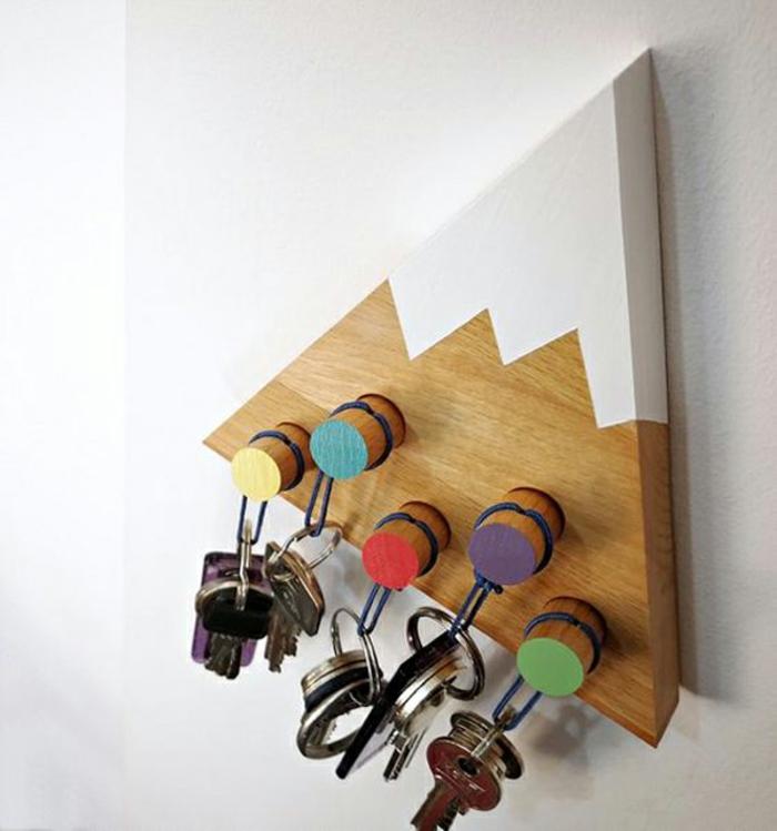 porte clés mural montagne en bois