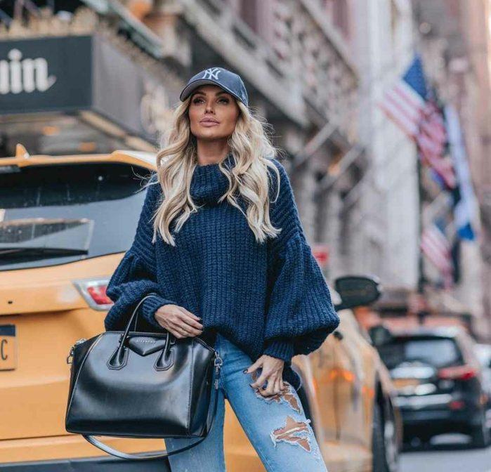pull à manches bouffantes et jean mode femme 2020