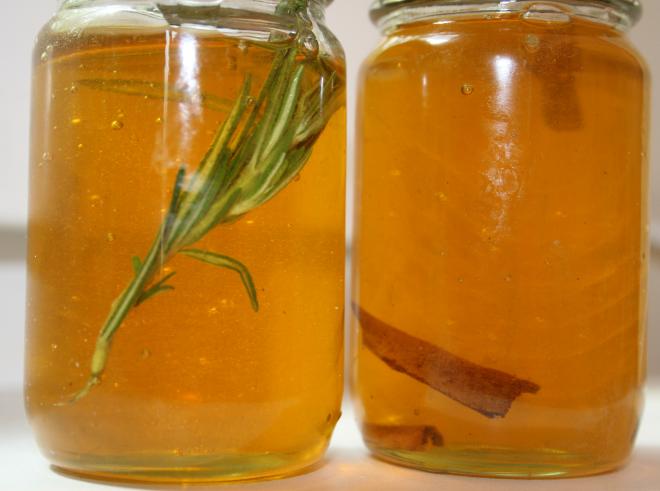 remède de grand-mère miel et romarin