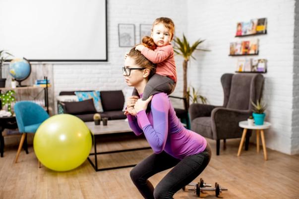 faire des exercices poids du corps après naissance