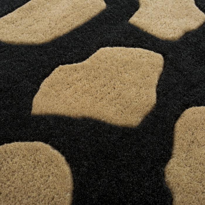 tapis imprimé animal noir et beige