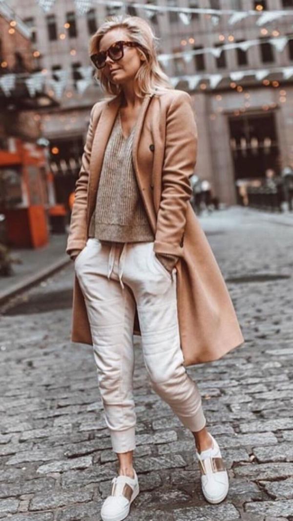 tendance mode femme 2019 col en V