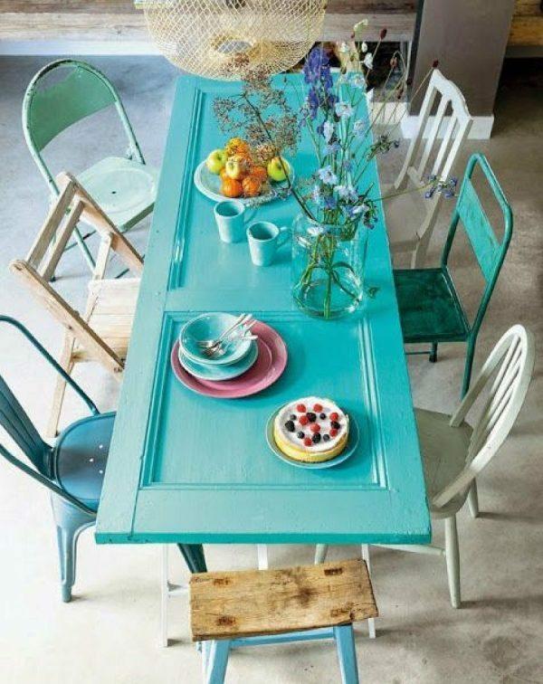 transformer une vieille porte en bois en meuble pratique table vintage salle à manger