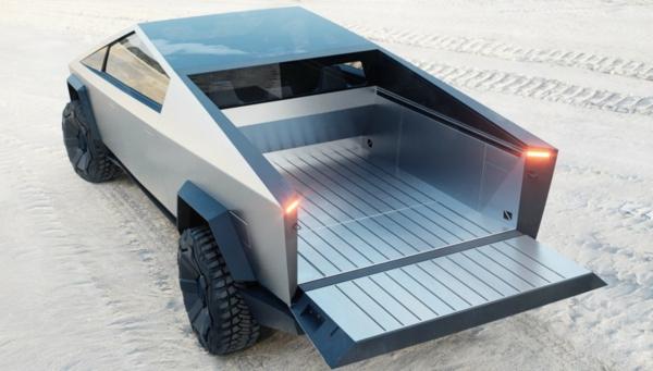 Tesla Cybertruck couvercle rabattable rampe intégrée dans le hayon