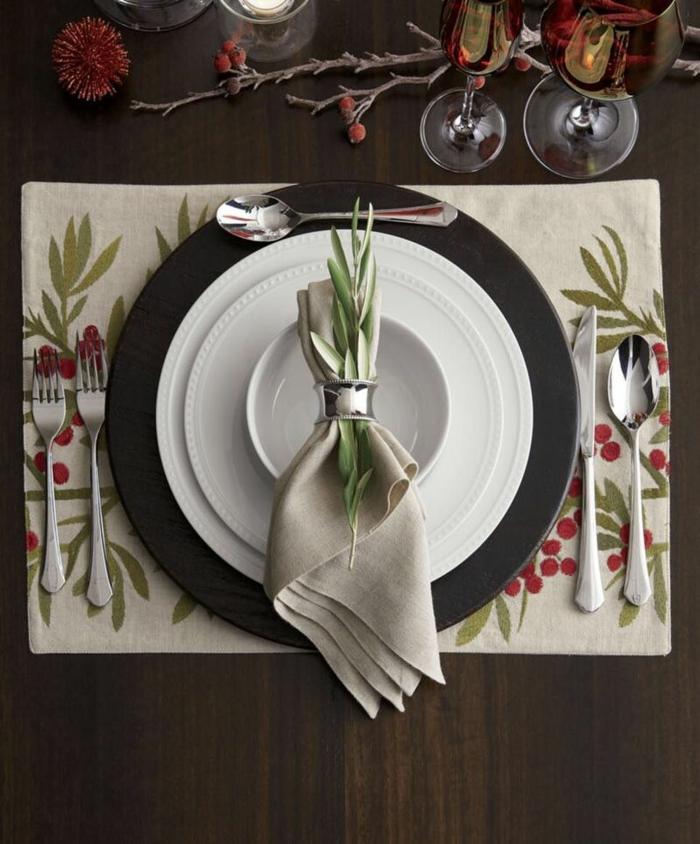 assiette de Noël déco avec serviette