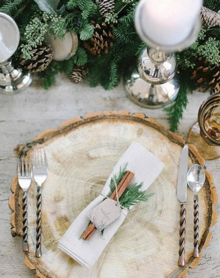 assiette de Noël déco bâtonnes cannelle