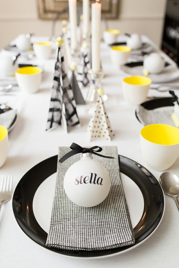 blanc, noir et jaune assiette de Noël déco féstive