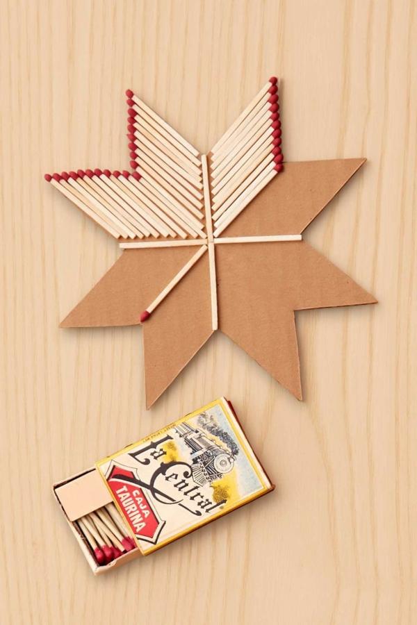 bricolage noël facile étoile de carton et allumettes