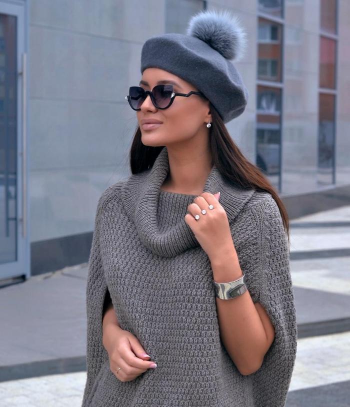 chapeau femme hiver béret gris avec pompon