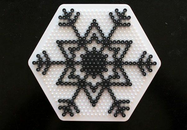 comment faire un flocon de neige en perles à repasser