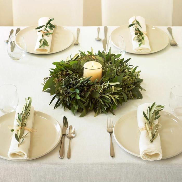 déco assiette de Noël avec eucalyptus