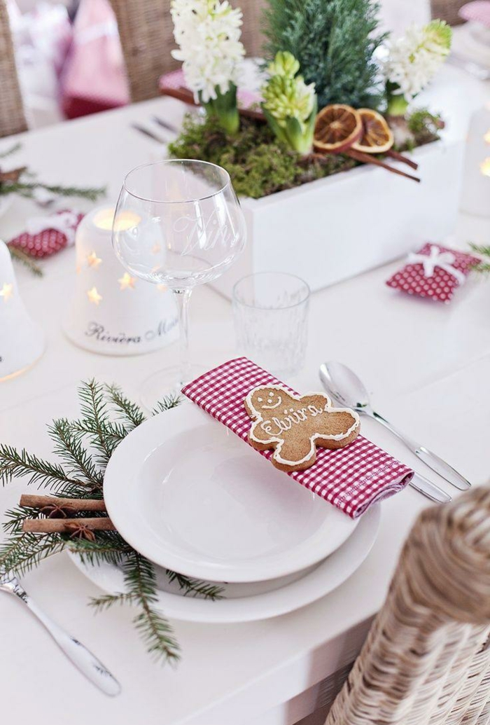 déco avec biscuit de noël assiette de Noël