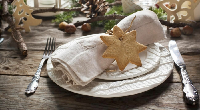 déco avec des biscuits idée assiette de Noël