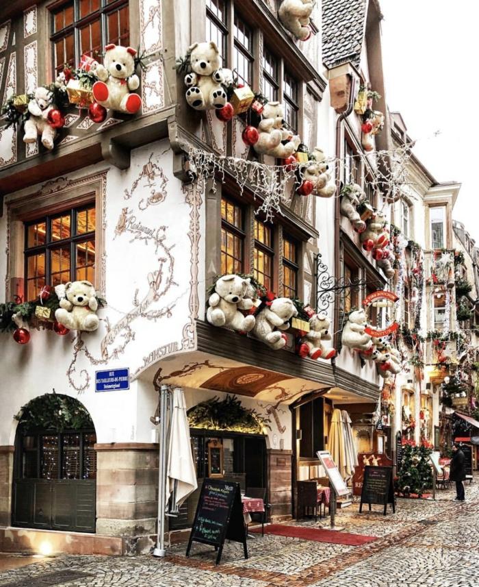 déco avec des oursons Strasbourg les plus beaux marchés de Noël